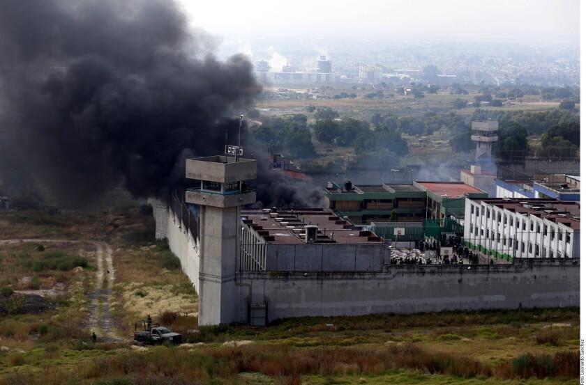 Son reclusos quienes operan igual que lo hacía Luis Alberto González Nieto en los reclusorios del Edomex, según diagnósticos y recomendaciones de la CNDH sobre situación penitenciaria.