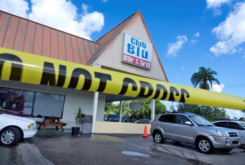 Un chico de 14 años y un joven de 18 resultaron muertos hoy y más de otras 15 personas heridas por disparos de arma de fuego contra los asistentes a una fiesta juvenil en Fort Myers (Florida) en circunstancias todavía no aclaradas.