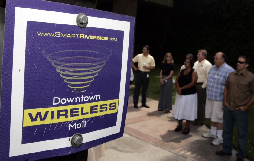 The city of Riverside rolls out a free public Wi-Fi system in July 2007. The network was built in partnership with AT&T.