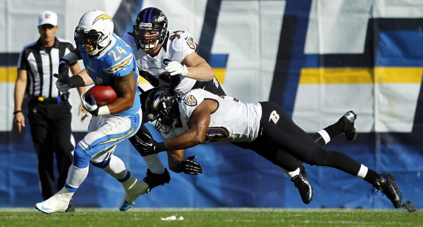 Chargers Ryan Mathews runs against the Ravens in the 2nd quarter on Sunday, Nov. 25, 2012.