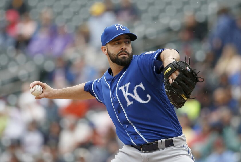 Kansas City Royals starting pitcher Dillon Gee delivers to the Minnesota Twins during the first inning of a baseball game in Minneapolis, Wednesday, May 25, 2016. (AP Photo/Ann Heisenfelt)