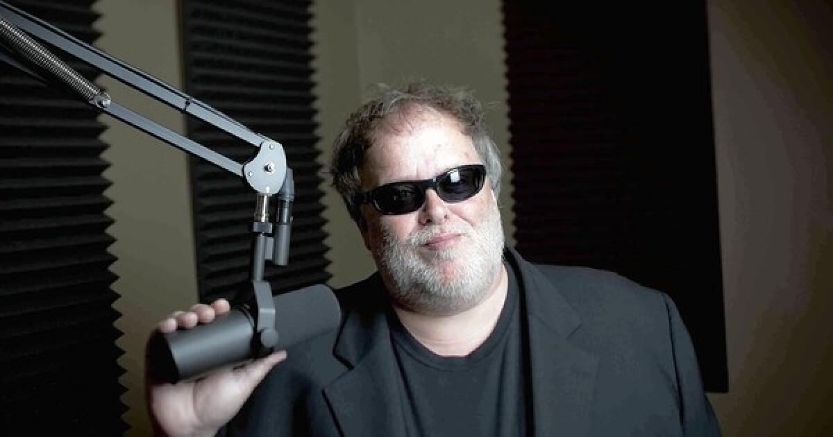 Photo de Tom Leykis avec un hauteur de 180 cm et à l'age de 64 en 2021