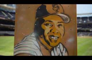 Padres outfielder Matt Szczur paints for a good cause