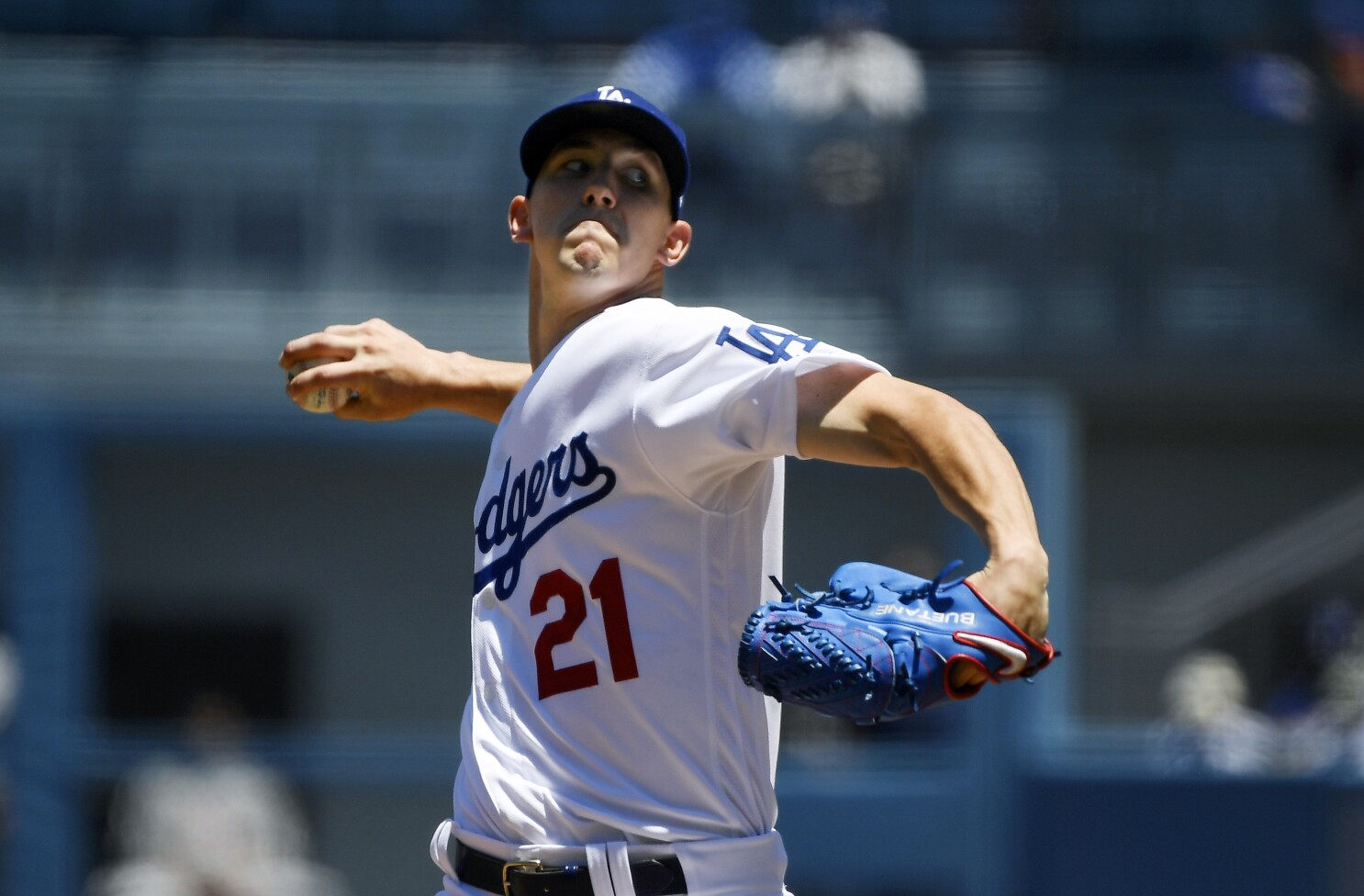 Walker Buehler shuts down Marlins to complete the sweep for Dodgers