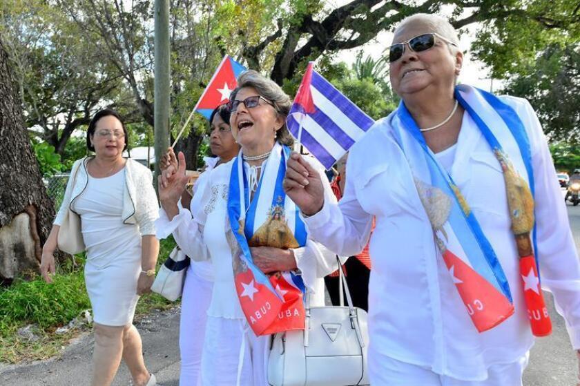 """El centro de pensamiento Cato Institute anunció hoy que el movimiento opositor cubano Damas de Blanco recibirá el premio Milton Friedman por el """"Avance de la Libertad"""", un galardón valorado en 250.000 dólares. EFE/ARCHIVO"""