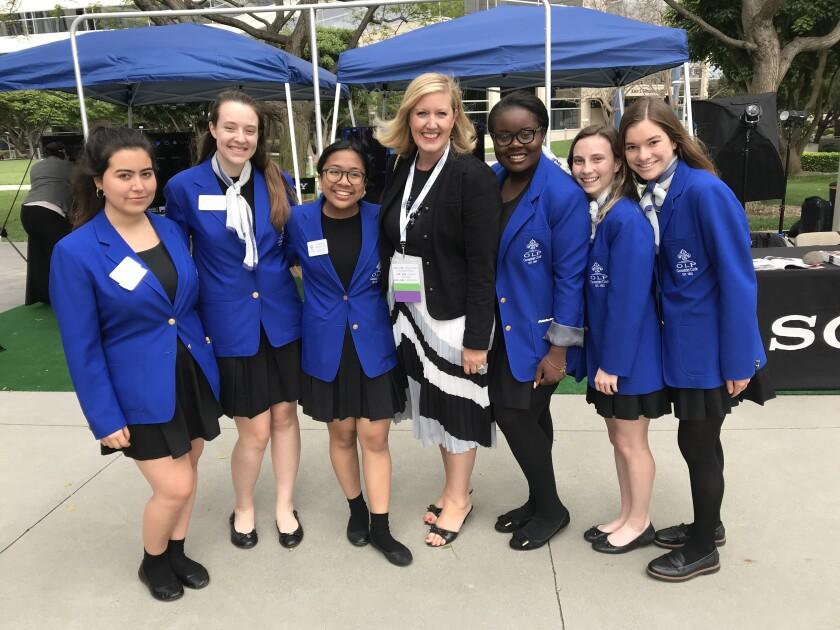 Lauren Lek with students.