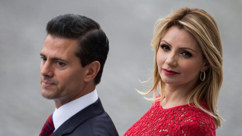 El mandato de Enrique Peña Nieto, marcado por escándalos de corrupción y violencia, se ve empañado todavía más con la acusación de plagio de su tesis universitaria.