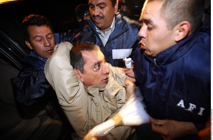Mario Villanueva saldrá· este día de la prisión de Lexington, Kentucky, luego de cumplir una sentencia por lavado de dinero, y ser· entregado al Servicio de Inmigración y Control de Aduanas (ICE) de Estados Unidos, que lo deber· entregar a México próximamente.