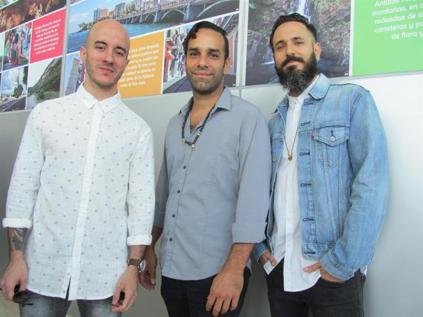 """De izda. a dcha., los miembros del grupo puertorriqueño de reggae """"Cultura Profética"""" Willy Rodríguez, Omar Silva y Juan Carlos Sulsona. EFE/ARCHIVO"""