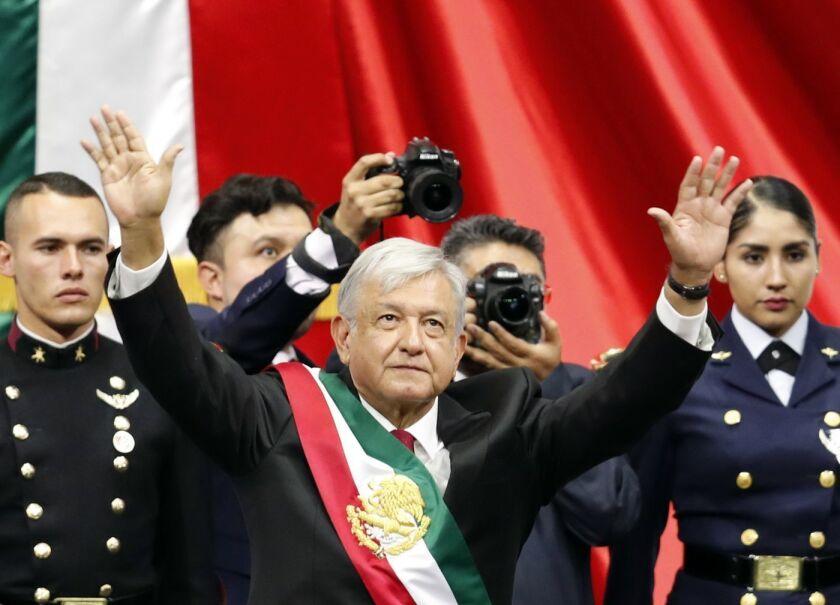 José Woldenberg habla de los rasgos preocupantes del presidente Andrés Manuel López Obrador y la importancia de defender las instituciones democráticas de México.