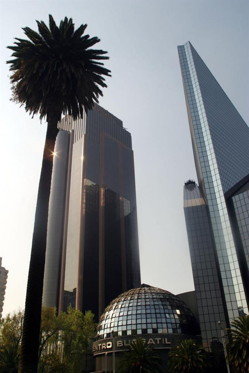 Imagen de la fachada de la Bolsa Mexicana de Valores en Ciudadd de México. EFE/Archivo