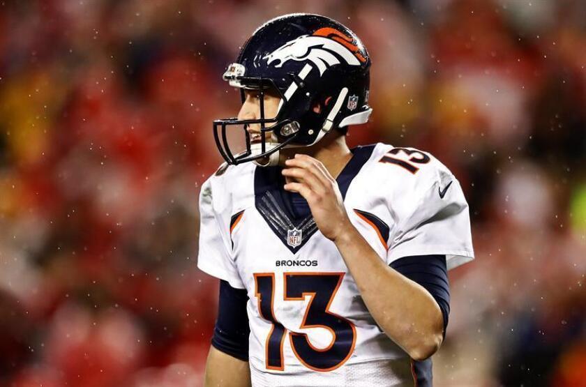 En la imagen, el mariscal de campo de los Broncos de Denver, Trevor Siemian. EFE/Archivo