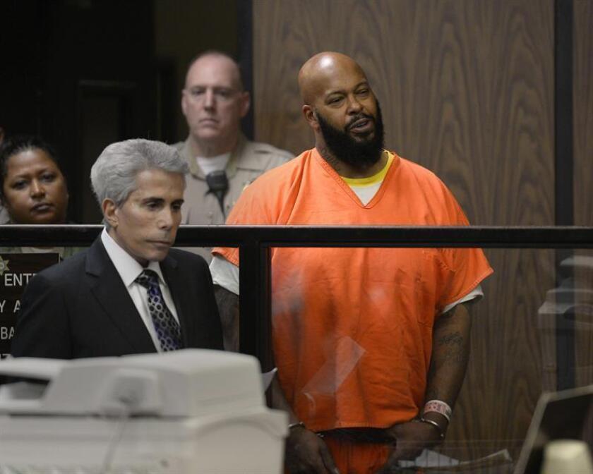 El productor musical Suge Knight, uno de los hombres clave en la historia del rap, fue condenado hoy por un tribunal a 28 años de cárcel por homicidio, informó el diario Los Angeles Times. EFE/Pool/Archivo