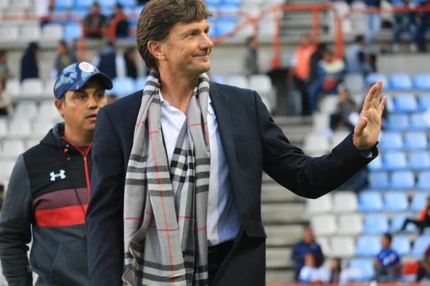 El argentino Hernán Cristante fue despedido este lunes como entrenador del Toluca del fútbol mexicano como consecuencia de los malos resultados del equipo en el torneo Clausura 2019 y en la Liga de Campeones de la Concacaf. EFE/Archivo