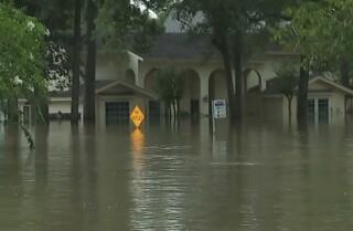 Nueve pasos para reparar una casa inundada