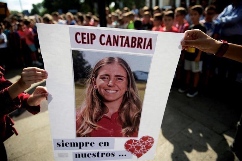 Concentración en la localidad cántabra de Puente San Miguel, con motivo de la trágica muerte de la golfista Celia Barquín en EEUU. EFE/Archivo
