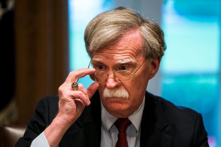 """El asesor presidencial John Bolton dijo hoy en entrevista con Efe que las caravanas de inmigrantes centroamericanos que se encuentran en México y se dirigen hacia la frontera sur del país no son una forma """"aceptable"""" de ingresar a EE.UU. EFE/Archivo"""