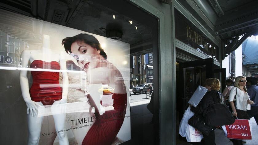 La oficina del fiscal de la ciudad de L.A. demandó a Macy's, Kohl's, JC Penney y Sears por supuestos anuncios de precios falsos.