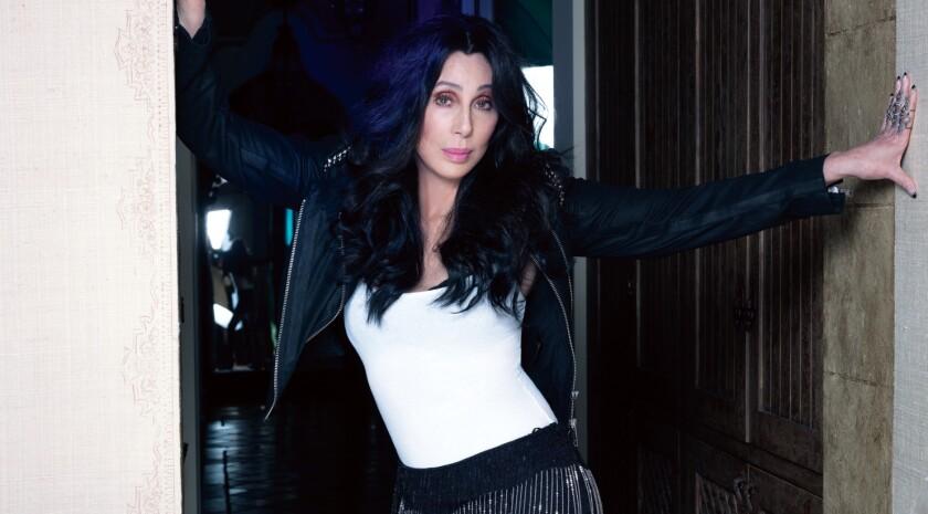 Cher especificó que, aunque no practica a menudo su español, siente un cariño especial por la comunidad latina.
