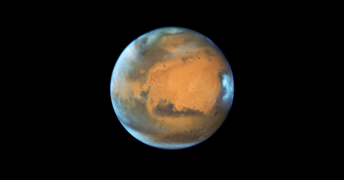 Check out Mars tonight: It's closer to Earth than it has been in 11 years
