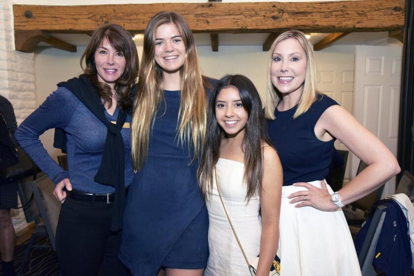 Natalie Arnett and 2019 Class President Amanda Arnett, Gabby and Diane Dale