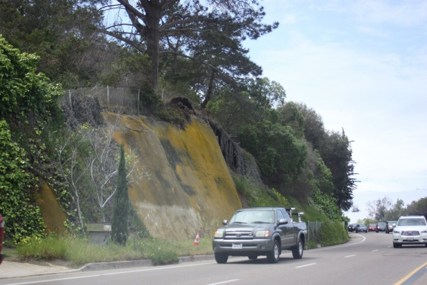 The current retaining wall on Torrey Pines Road is slated for replacement.