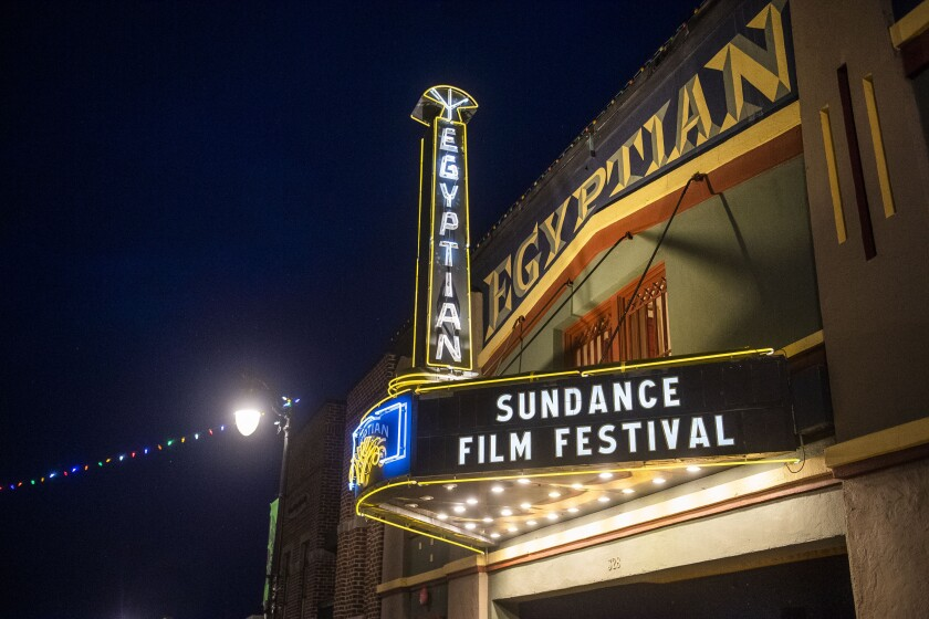 La marquesina del Teatro Egipcio promueve el Festival de Cine de Sundance en Park City, Utah.