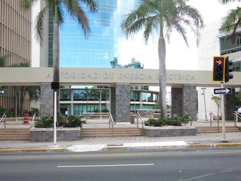 Vista de la fachada de la Autoridad de Energía Eléctrica en San Juan, Puerto Rico. EFE/Archivo