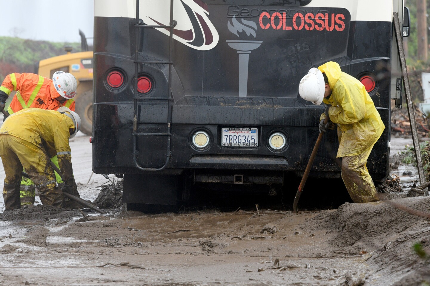 Powerful storm moves into Southern California