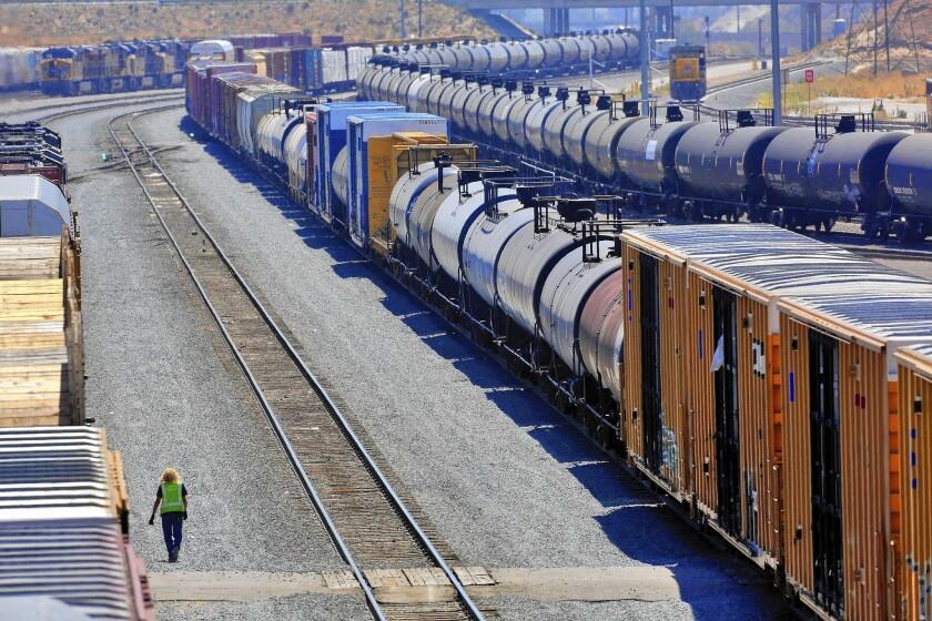Crude oil shipments by rail