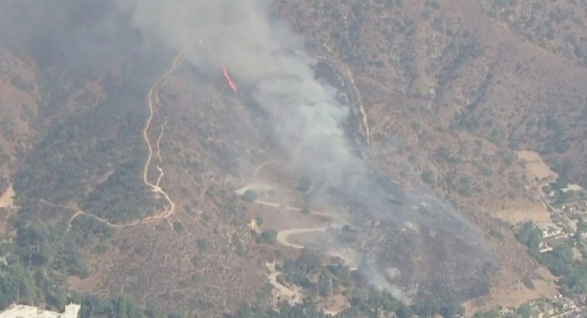 A small brush fire broke out in Glendale on Tuesday afternoon.