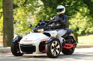 Highway 1: 2015 Can-Am Spyder F3-S