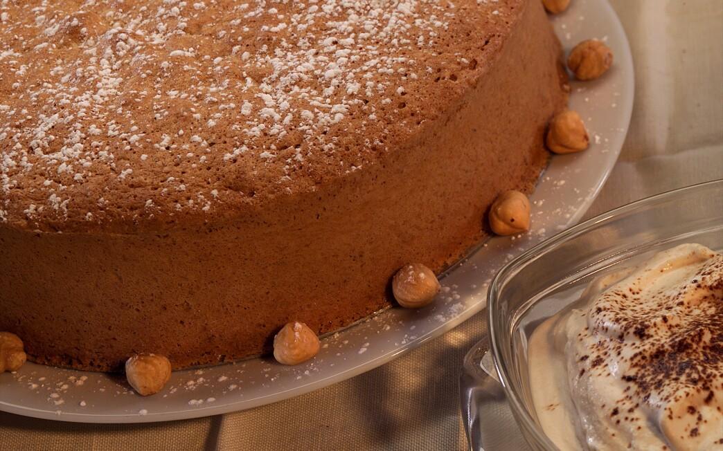Hazelnut torte with espresso cream