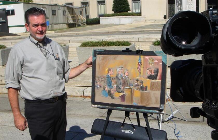 Fotografía cedida por el artista William J. Hennessy Jr. hoy, miércoles 1 de agosto de 2018, que lo muestra mientras posa para una foto, en Washington, DC (EE.UU.). Las cámaras están prohibidas. EFE/Cortesía William J. Hennessy Jr./SOLO USO EDITORIAL/NO VENTAS