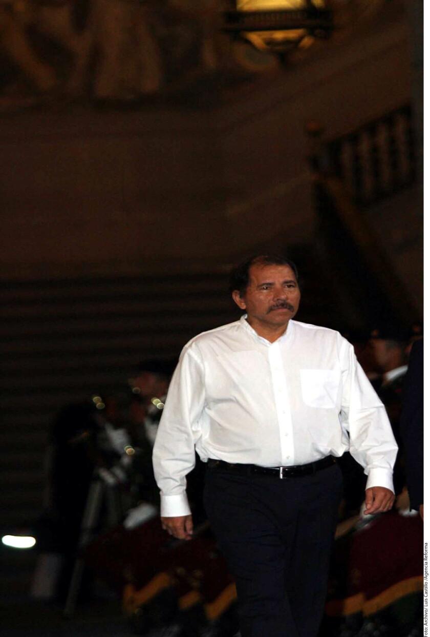 El retorno del sandinista Daniel Ortega a la presidencia de Nicaragua en enero de 2007 y su intento de perpetuarse en el poder, conforman el hilo de un libro presentado hoy en Managua por críticos y opositores al Gobierno.