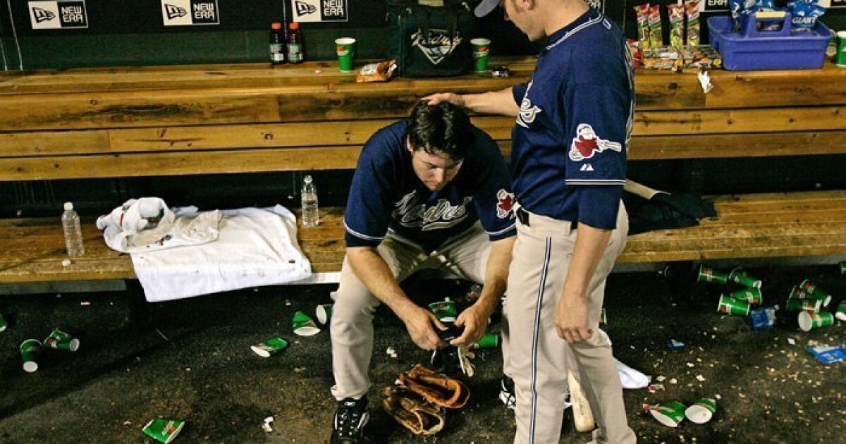 Column: Bruce Bochy, Adrian Gonzalez revisit Padres' last playoff trip in 2006
