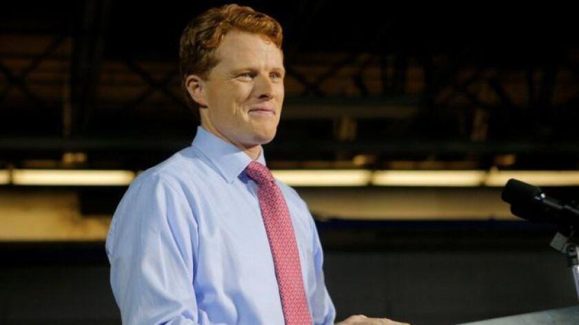 Un nuevo miembro de la familia Kennedy, la influente dinastía en la política de Estados Unidos, hizo su debut ante una amplia audiencia nacional presentando la réplica de su Partido Demócrata al discurso del Estado de la Unión del presidente Donald Trump.
