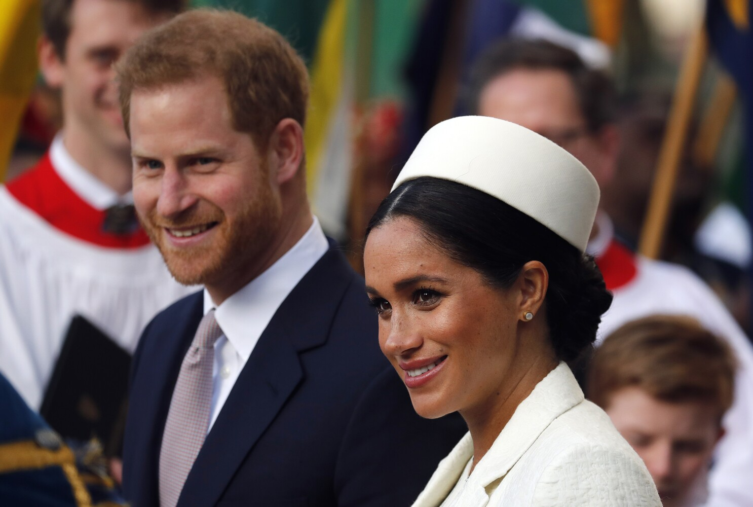 Prince Harry And Meghan Markle To Give Up Royal Highness Titles Los Angeles Times