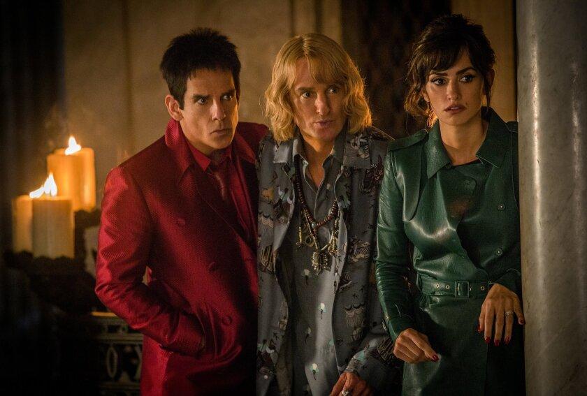 """Ben Stiller interpreta a Derek Zoolander, Owen Wilson se encarga de Hansel y Penélope Cruz hace de Valentina Valencia en una escena de """"Zoolander 2"""", que se estrena este viernes."""