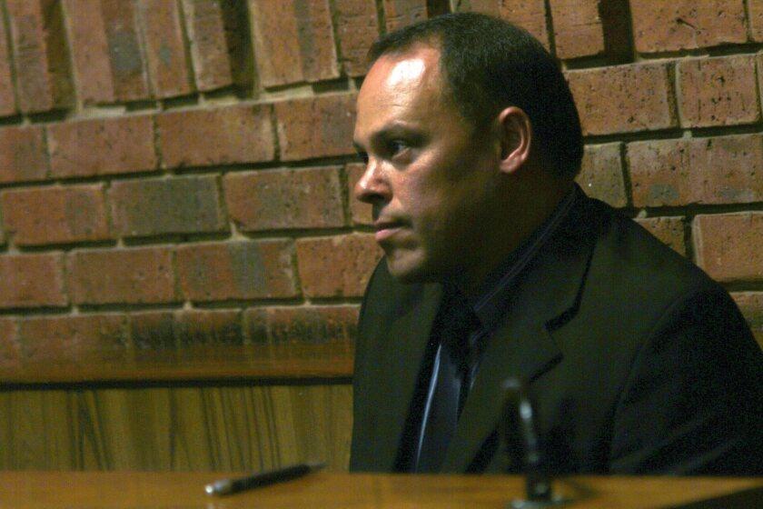Police commissioner replaces investigator in Oscar Pistorius case