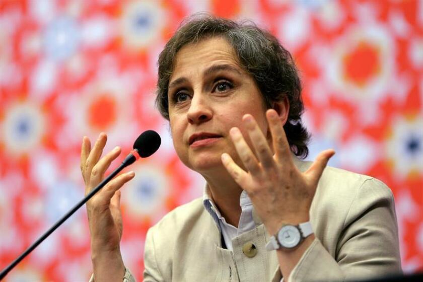 """La periodista Carmen Aristegui dijo hoy que el allanamiento y robo registrado en noviembre en las instalaciones del portal Aristegui Noticias en la Ciudad de México fue un """"hecho intimidatorio"""", y criticó la filtración del suceso por parte de la autoridad. EFE"""