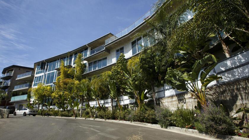 Una de las casas propiedad de Danny Fitzgerald, en Weidlake Drive, en el área de Hollywood Hills.