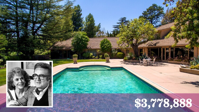 The longtime home of entertainers Jayne Meadows and Steve Allen has sold in Encino.