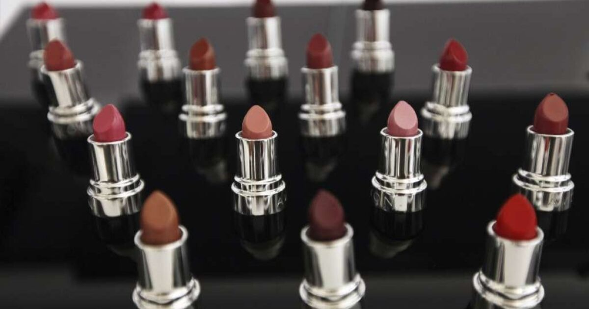 Column: Cosmetics industry crushes bill that would have made makeup and hair products safer