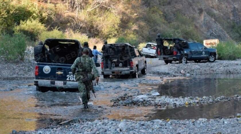 Trece personas, entre ellas cuatro mujeres, fueron encontradas muertas en una zona rural del norteño estado de Sinaloa, informaron las autoridades.