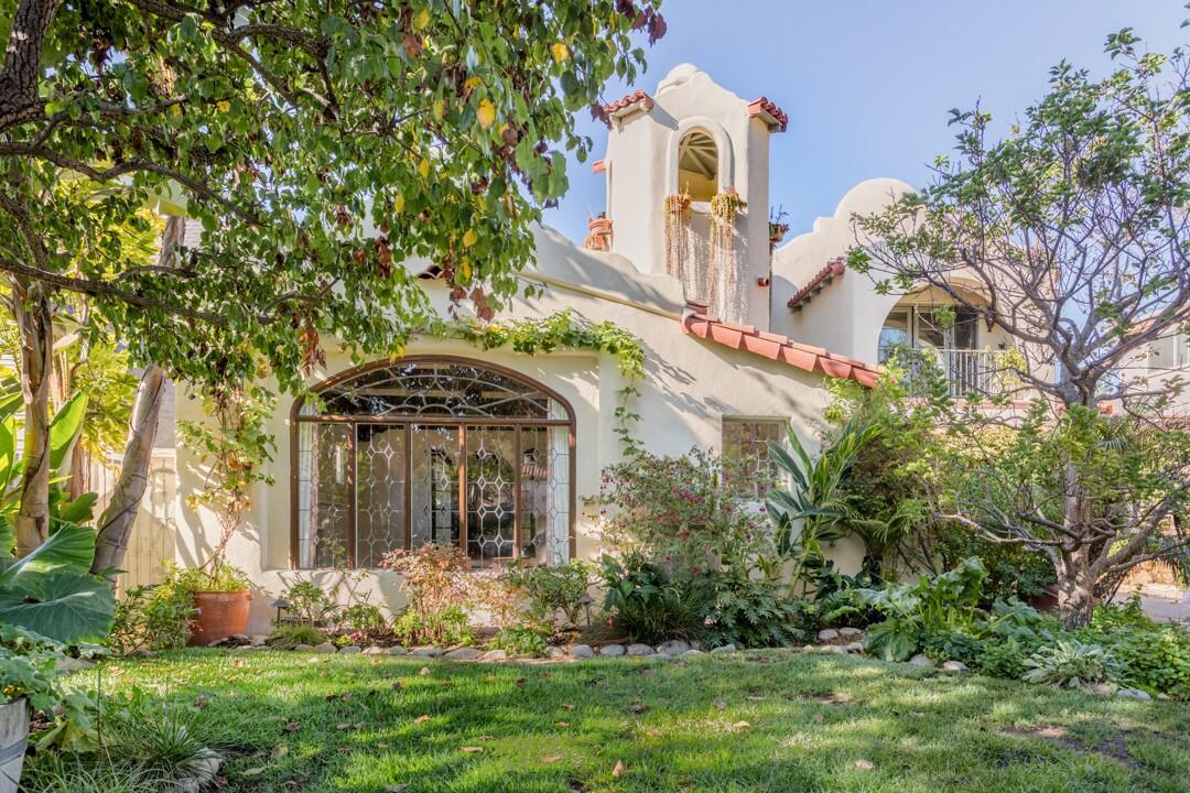 Alyson Hannigan and Alexis Denisof's Santa Monica home | Hot Property