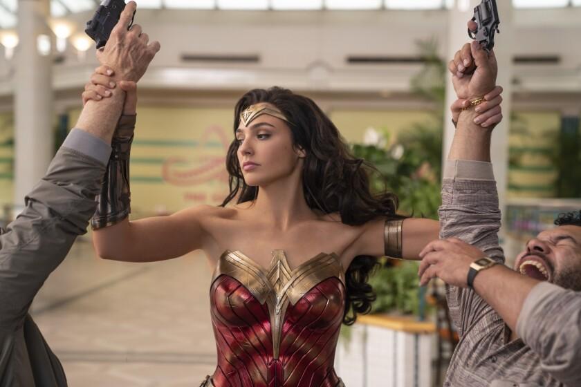 """Gal Gadot en una escena de """"Wonder Woman 1984"""" de Warner Bros."""
