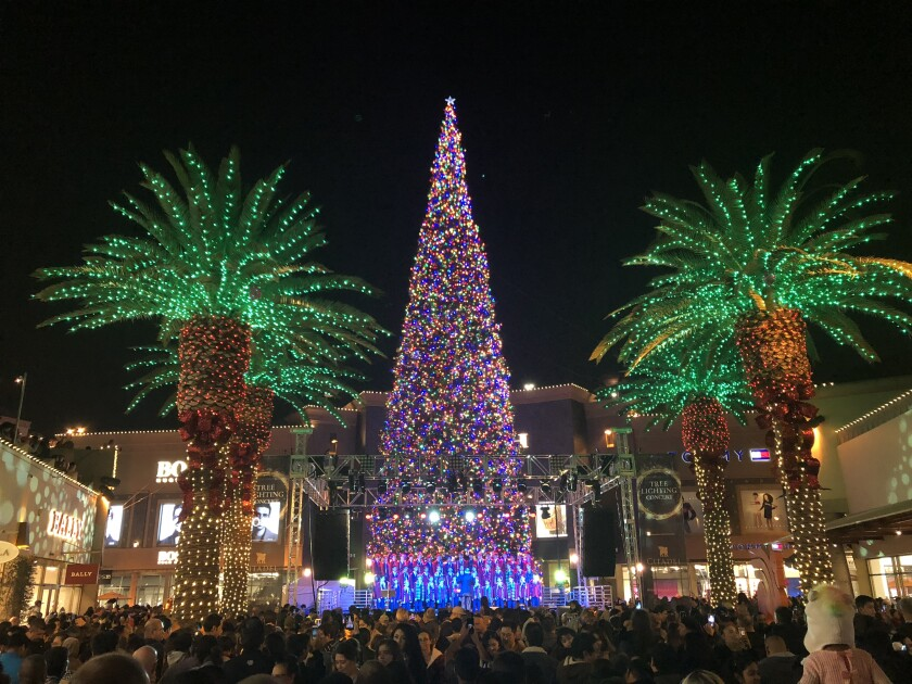 2019 Citadel Outlets tree lighting