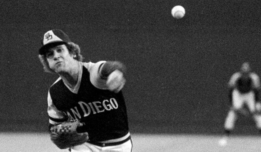 1976: Randy Jones gets the win