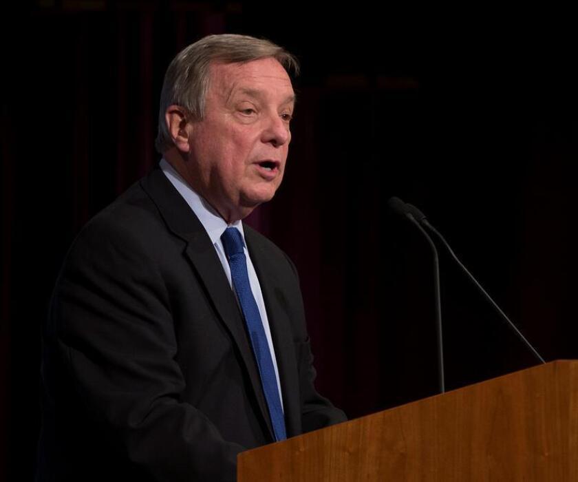 """Senador de Illinois pide medidas urgentes contra la """"epidemia"""" del vapeo"""